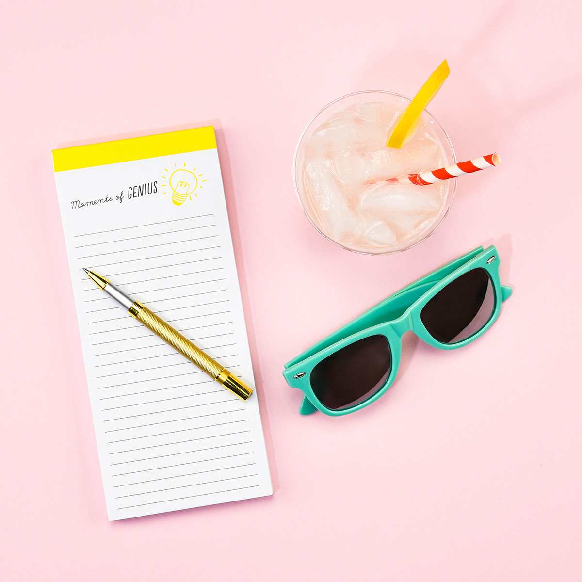 Elum Lightbulb Magnetic List Pad | Summer Stationery Travel Kit
